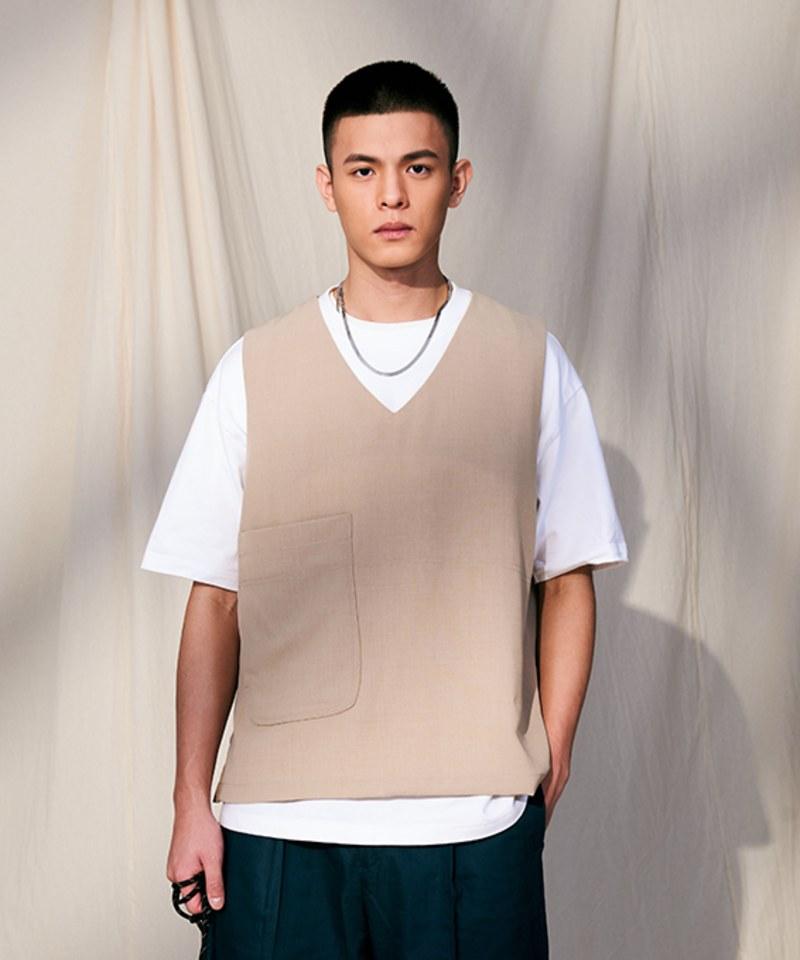 COP0177 大口袋V領背心