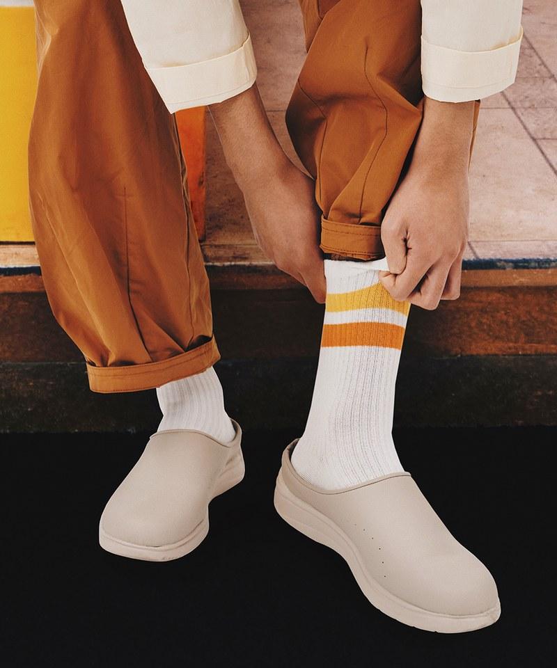早餐店中筒襪