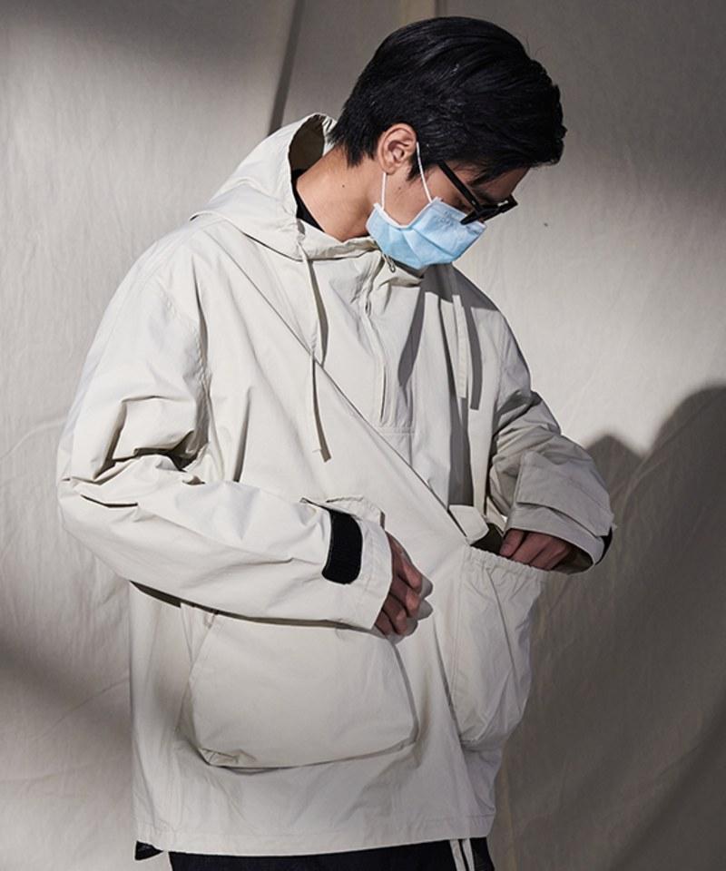 PLN1101 防潑水機能多口袋連帽套頭外套