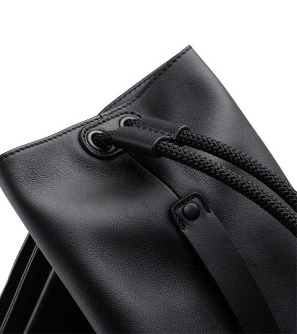 ROB9909 LASSO Leather Onigiri sack包